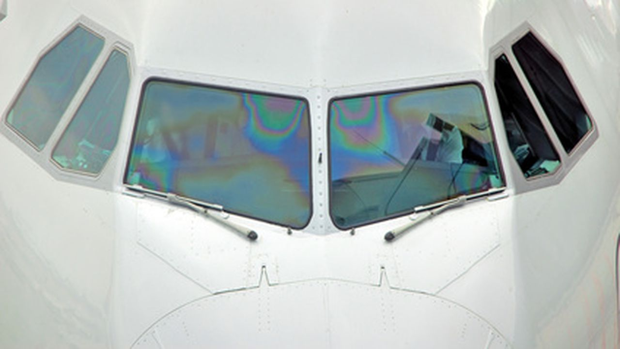 13003_1363947309_avion.jpg