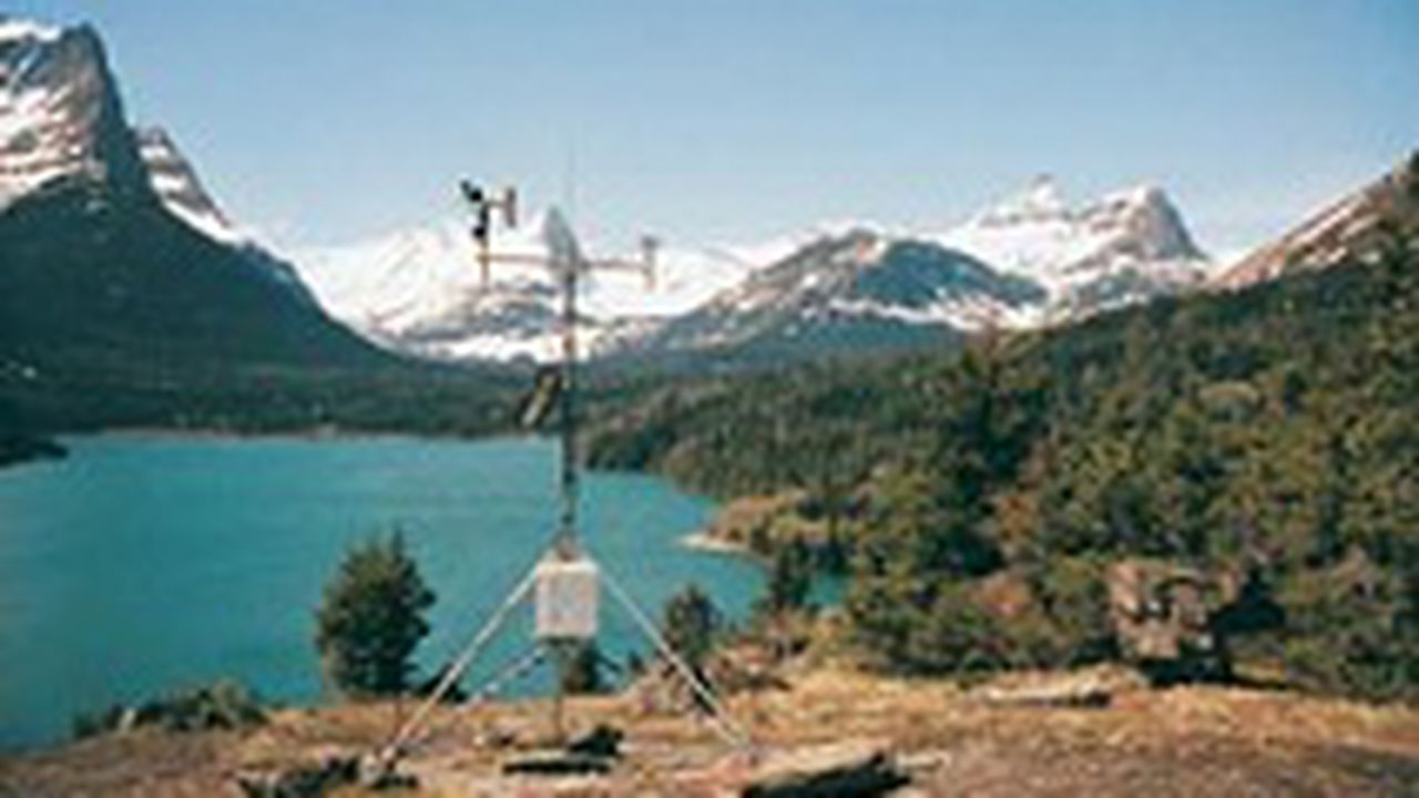 22387_1411480477_campbell-scientific-weather-and-et-monitoring-stations.jpg