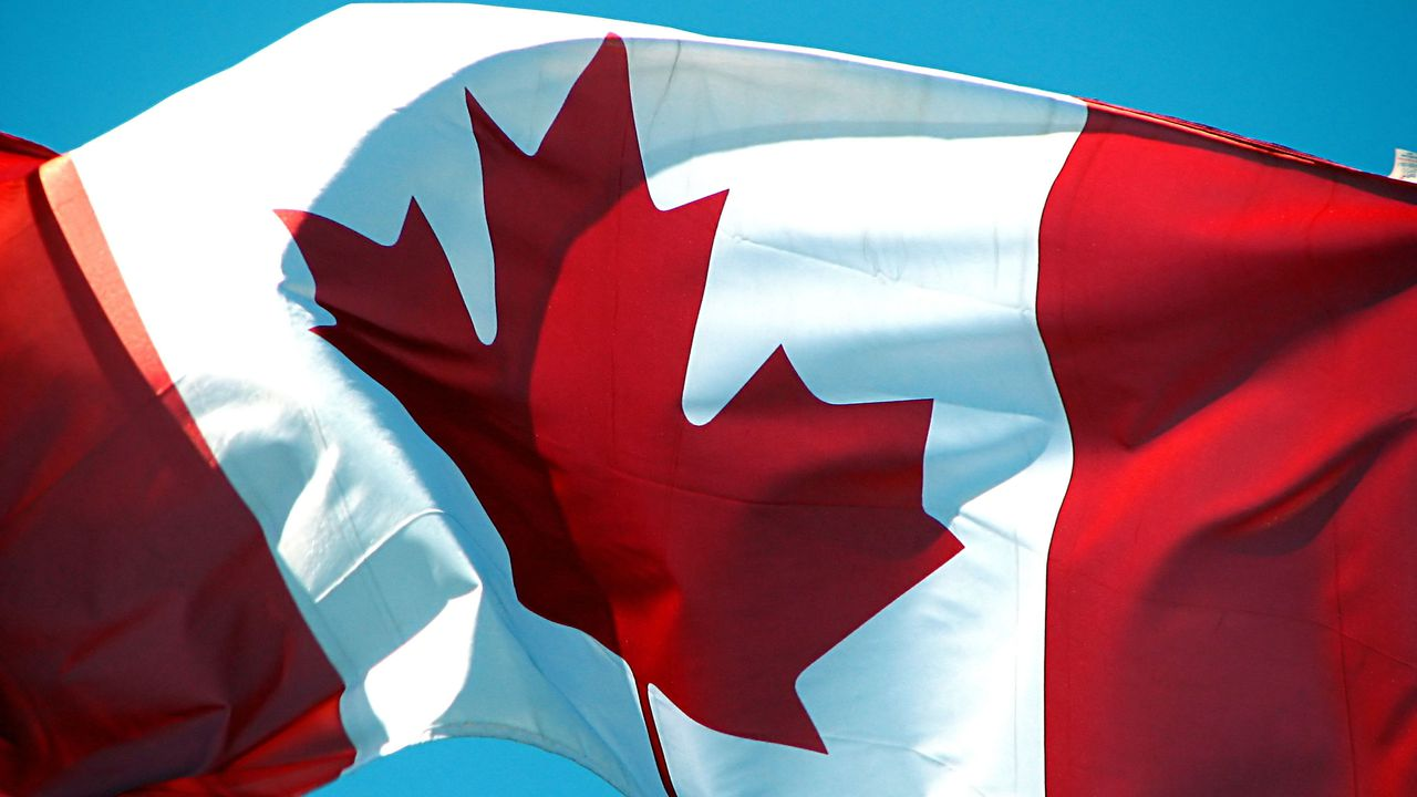 fonds-ecran-canada-drapeau-03.jpg