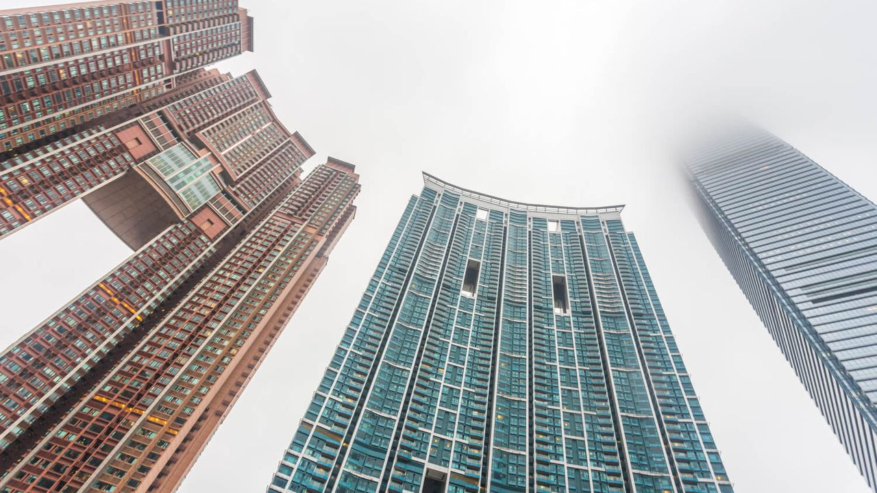 Feng-Shui-Buildings-in-Hong-Kong.jpg