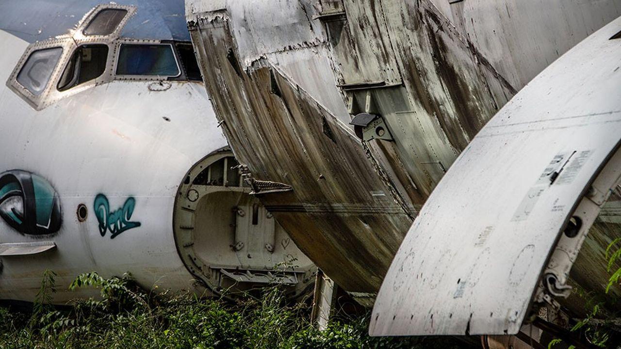 2152924_suez-veut-extraire-les-fibres-de-carbone-des-vieux-avions-web-tete-0301259688805.jpg