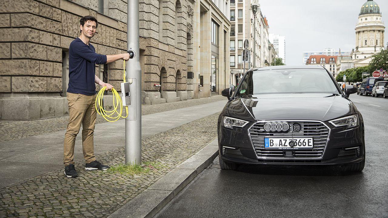 2153593_quand-les-lampadaires-rechargent-les-voitures-electriques-1388-1-part.jpg