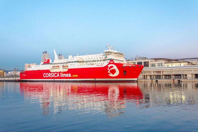 Entre continent et Corse, des ferries moins polluants grâce à l'électricité ?