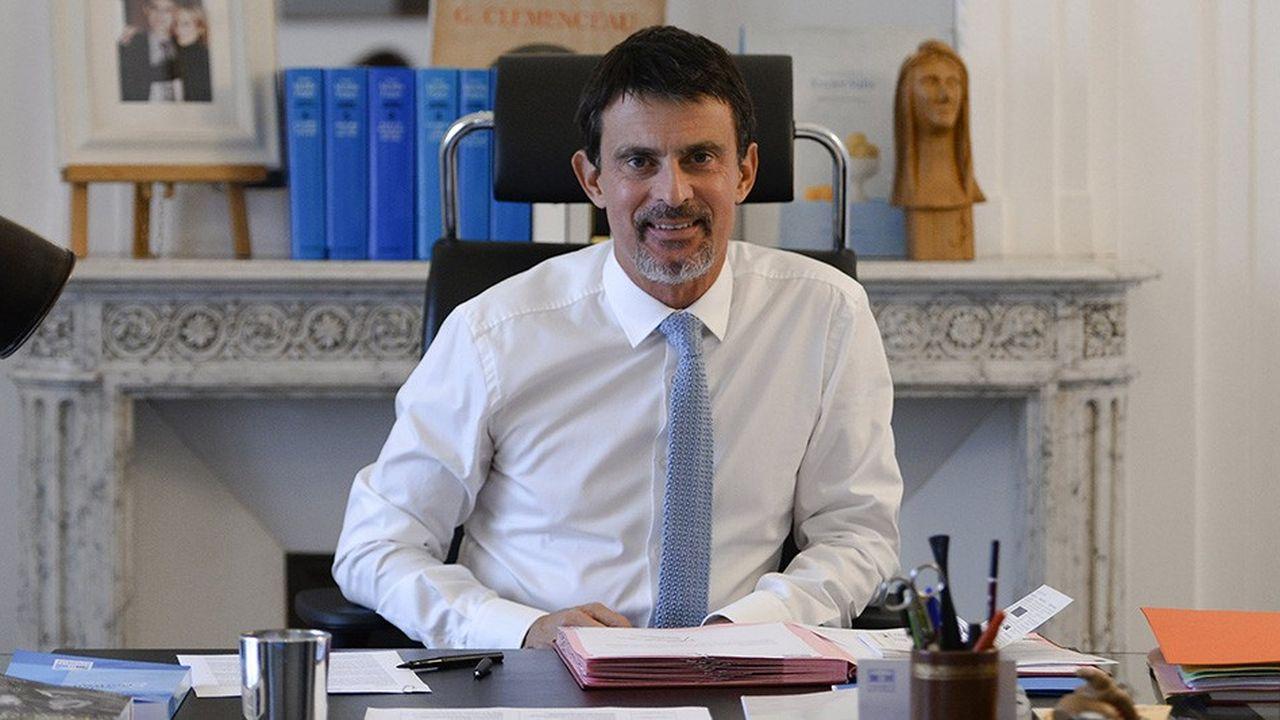 Manuel Valls, député apparenté La République en Marche, ancien Premier ministre, dans son bureau à l'Assemblée nationale.