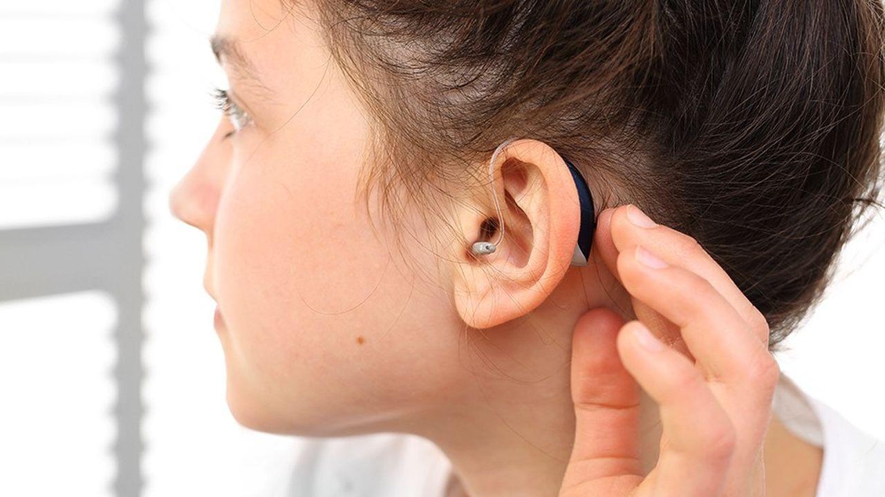 Les audioprothèses sont les équipements médicaux sur lesquels le reste à charge du patient est le plus élevé: 57%, contre 35% pour les prothèses dentaires et 24% pour les lunettes.
