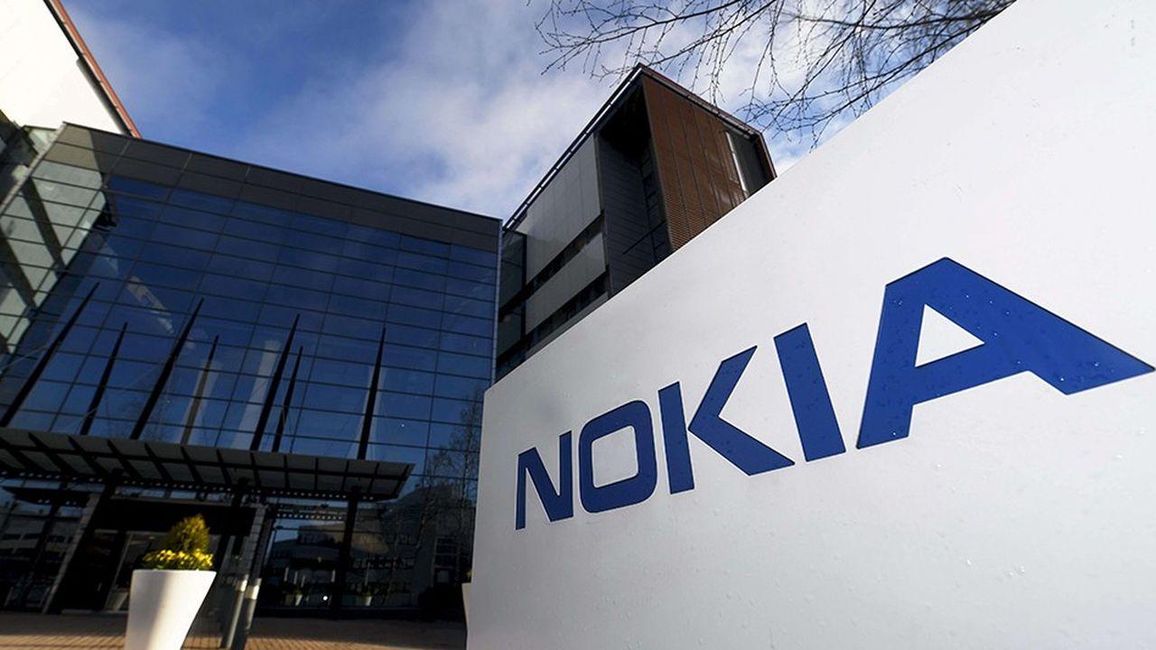 Nokia emploie 103.000 employés dans 130 pays. En 2017, le groupe finlandais a réalisé un chiffre d'affaires de 23,1milliards d'euros, en recul de2%, selon son dernier rapport annuel.