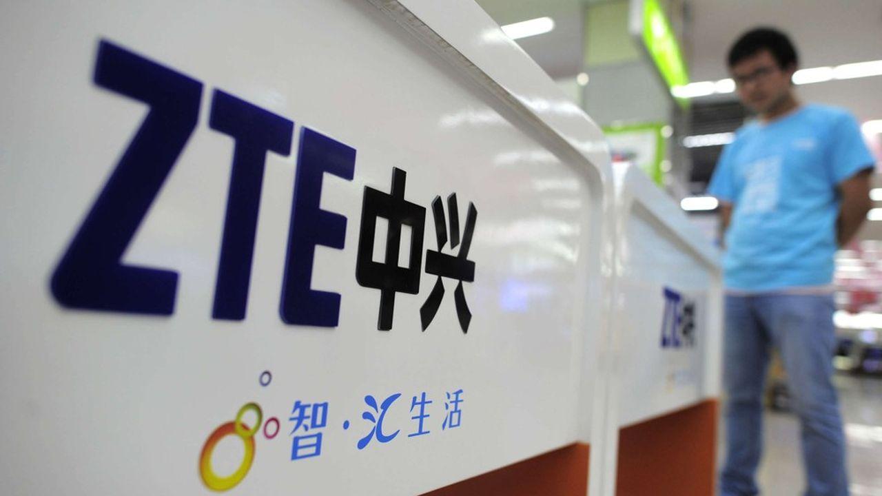 En Chine, les boutiques qui proposent encore des smartphones ZTE ne feraient en fait qu'écouler leurs stocks et les usines du groupe seraient pratiquement à l'arrêt