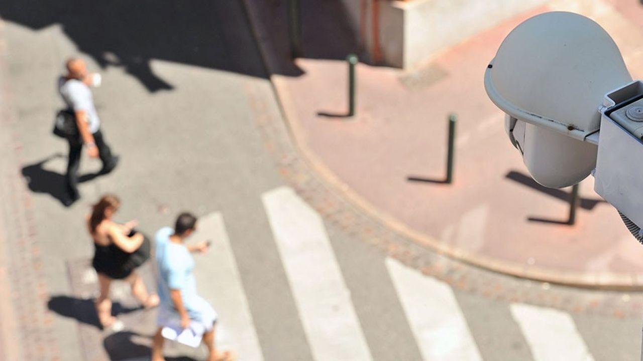 La vidéosurveillance est principalement utilisée à des fins de dissuasion contre les vols en magasin et la délinquance de rue, mais pas seulement.