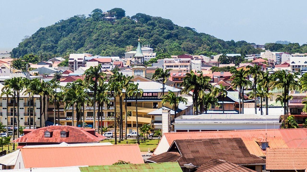 D'après la Cour des comptes, la gestion de l'impôt serait «acceptable» à la Réunion, «dégradée» en Guadeloupe et à la Martinique, voire «très dégradée» en Guyane et à Mayotte.