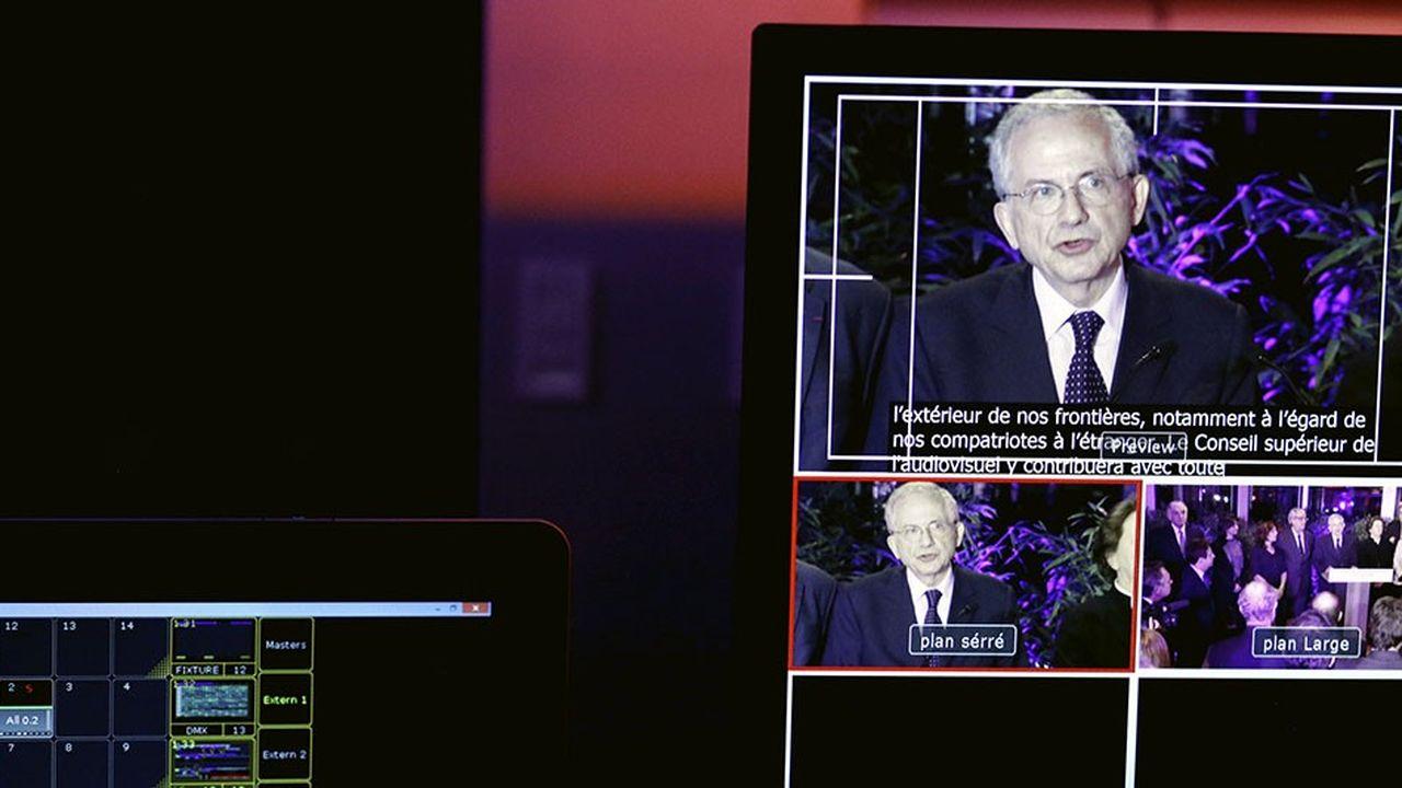 Olivier Schrameck, President du CSA, sur un ecran d'une regie TV, television