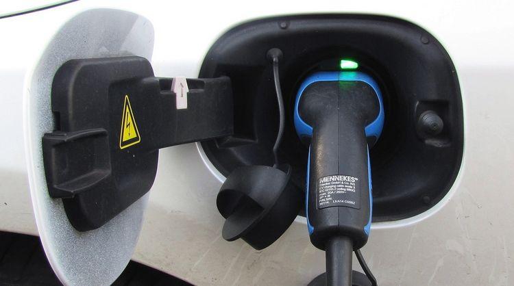 Cinq applications pour trouver une borne de recharge électrique