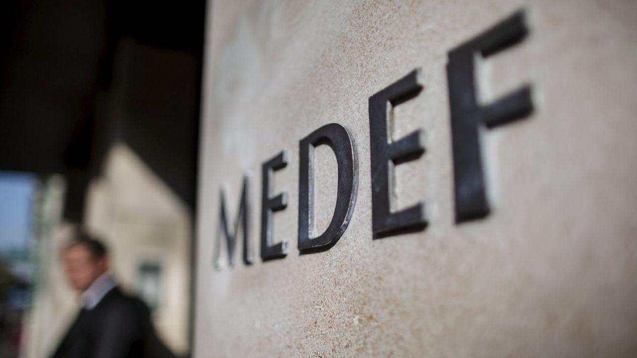 Les 556 grands électeurs du Medef doivent élire mardi leur nouveau président.