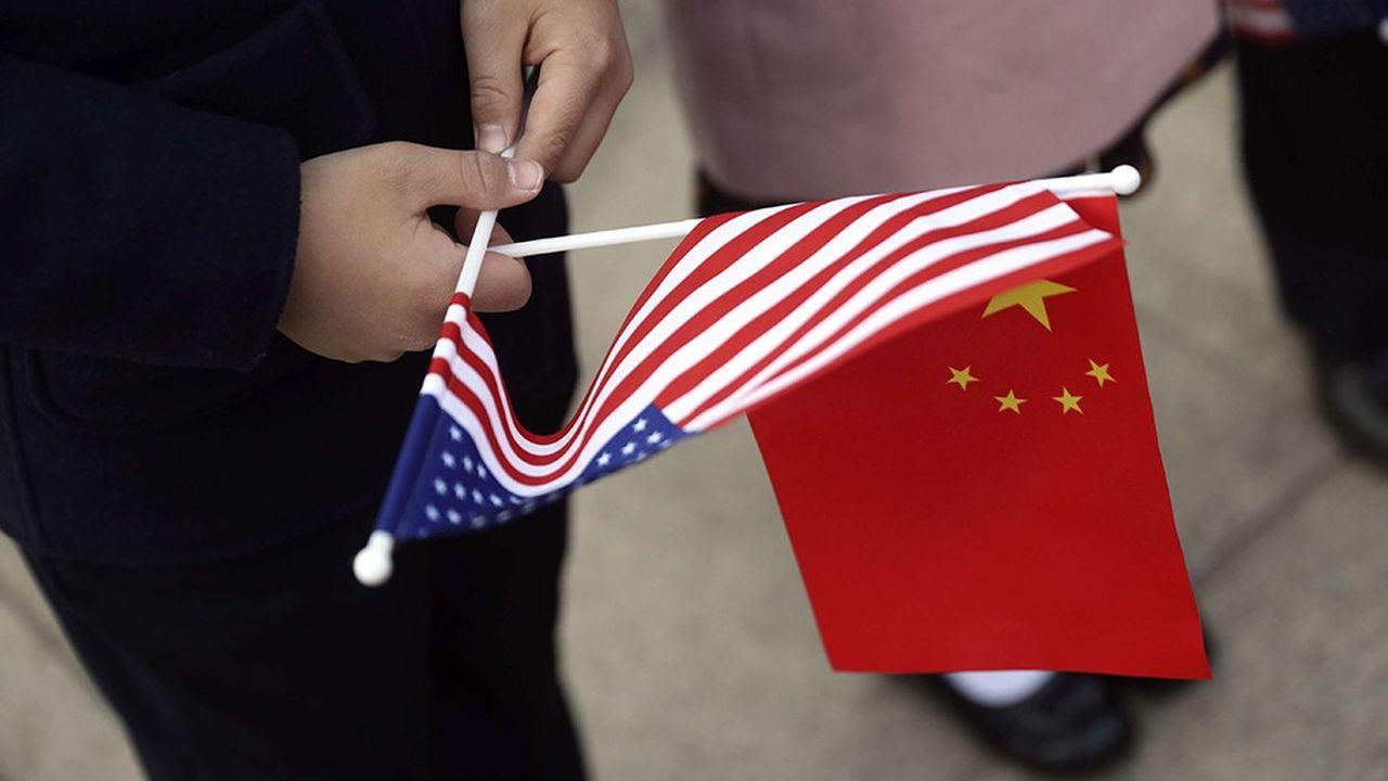 « La Chine n'a pas voulu la guerre commerciale […]. Elle ne se rendra pas face aux Etats-Unis, mais elle ne refusera pas non plus la guerre. La seule voie possible est de l'accepter et de la gagner », écrit le « Quotidien du Peuple ».