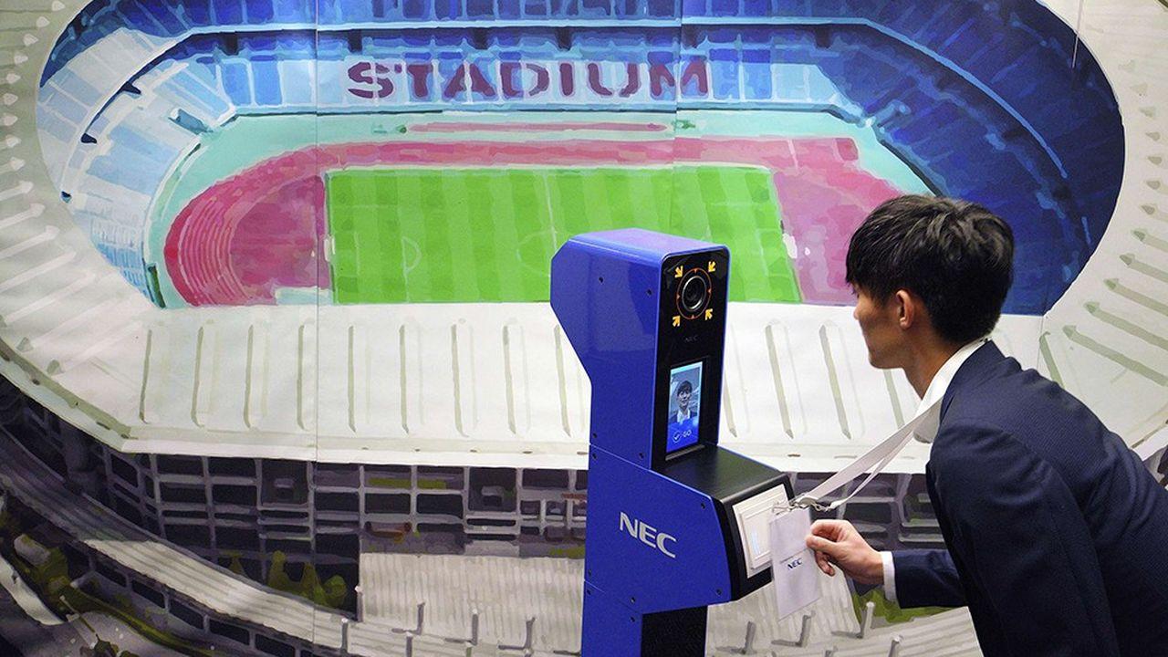 Le système de reconnaissance faciale développé par le groupe japonais NEC.