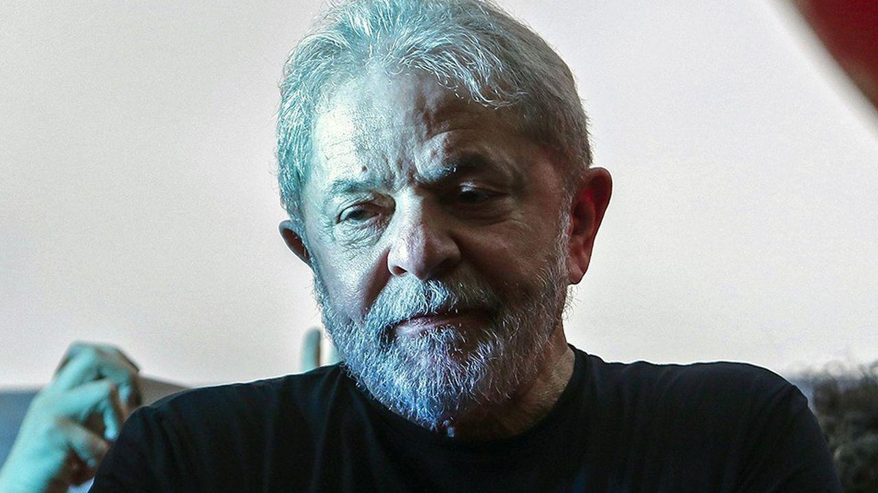 Lula est officiellement le candidat du Parti des Travailleurs. De sa cellule, il ne pourra pas participer au premier débat télévisé, mêmepar vidéoconférence.