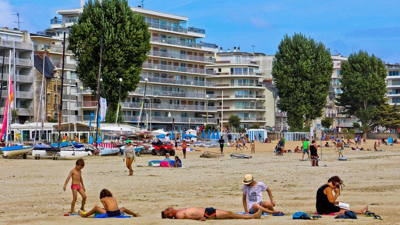 2197180_les-tarifs-des-parkings-pres-des-plages-senvolent-web-tete-0302095625829.jpg