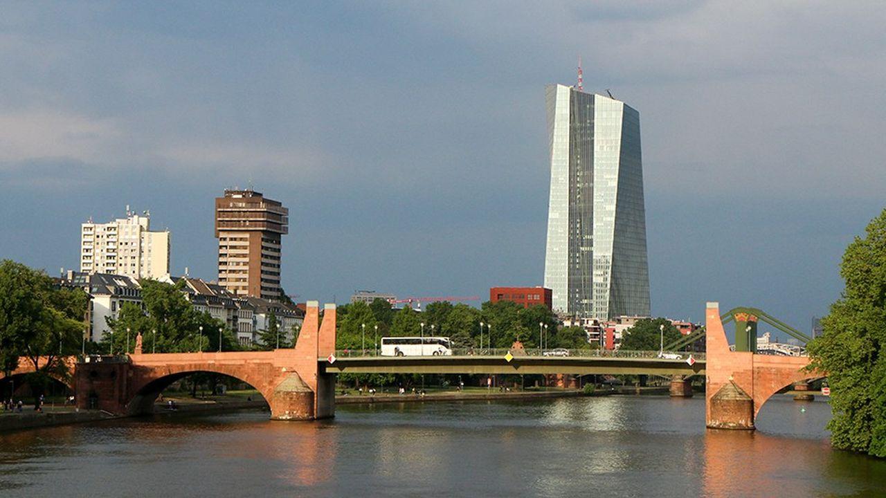 La BCE encourage la consolidation bancaire transfrontalière en Europe pour accélérer la mise en place de l'Union bancaire.