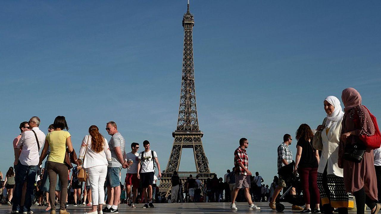 2197378_le-tourisme-en-ville-menace-par-la-pollution-de-lair-web-tete-0302096910984.jpg
