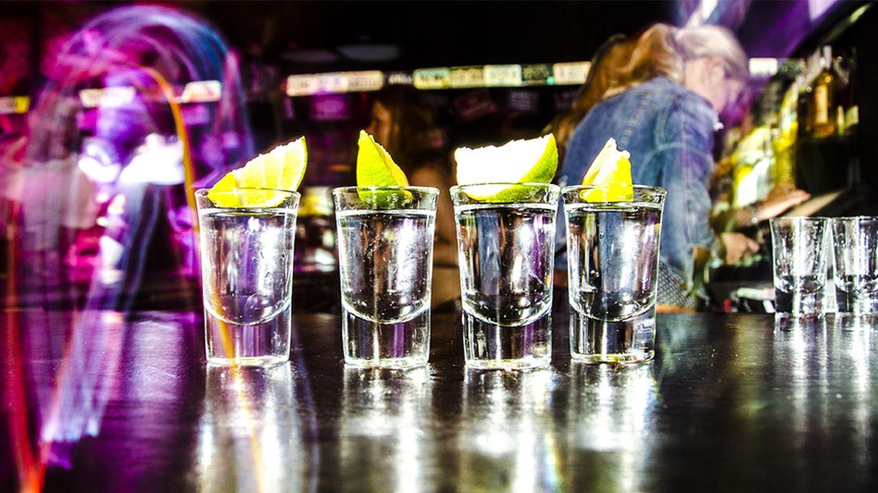 """Le """"binge drinking"""" : une mauvaise affaire pour l'industrie de l'alcool ?"""