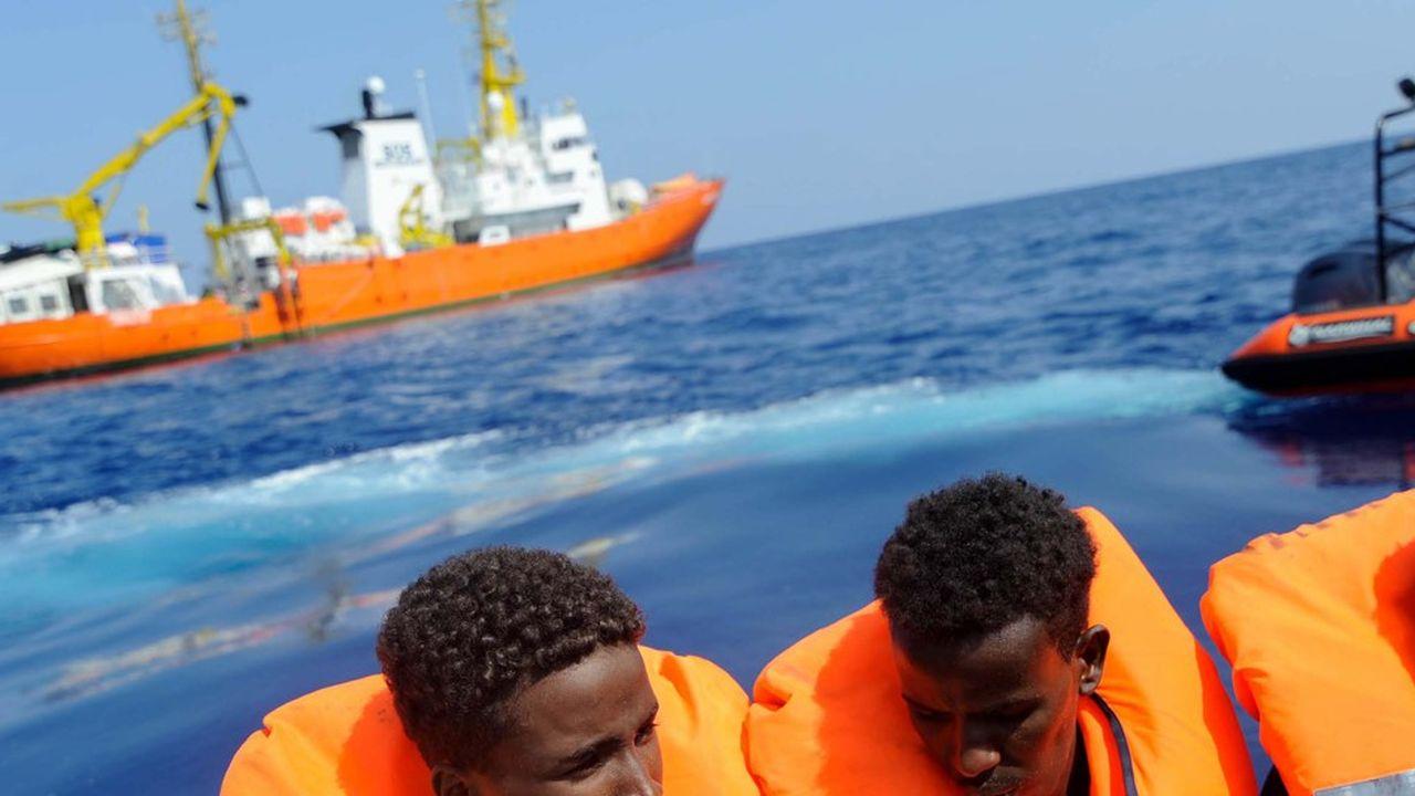 2198078_aquarius-cinq-pays-europeens-saccordent-pour-accueillir-les-migrants-web-tete-0302119658107.jpg