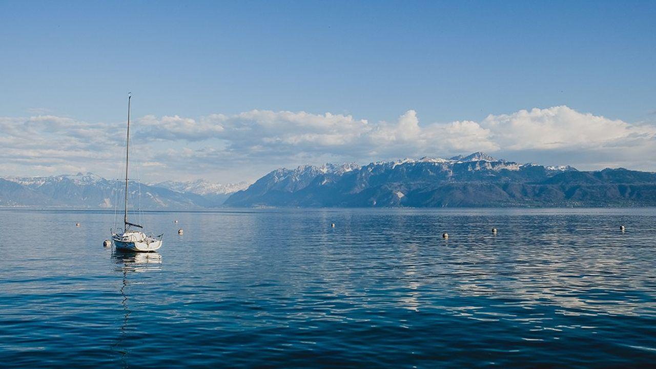 La ville suisse de Lausanne, connue pour son splendide lac, ne veut pas naturaliser des gens refusant de parler aux personnes d'un autre sexe.
