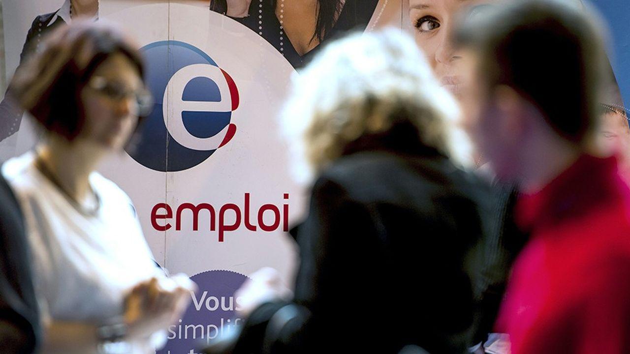 Les contrôles de recherche d'emploi effectués par Pôle emploi mobilisent 215 conseilleurs spécialisés, qui réalisent en moyenne 12.000 contrôles chaque mois