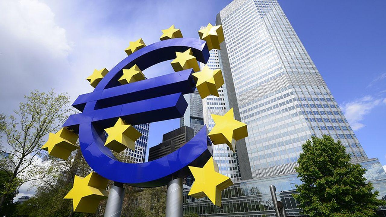 Le métier de gendarme bancaire de la zone euro demande de savoir exister face aux Etats et aux autres institutions. Dix ans après la crise, l'un des grands enjeux est d'éviter un relâchement de vigilance réglementaire.