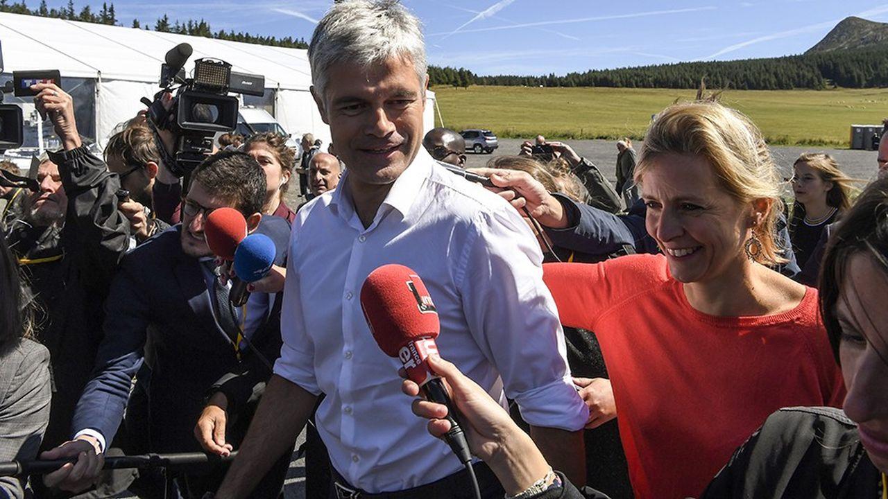 Laurent Wauquiez a fait sa rentrée politique à l'occasion d'une marche sur le Mont Mézenc.