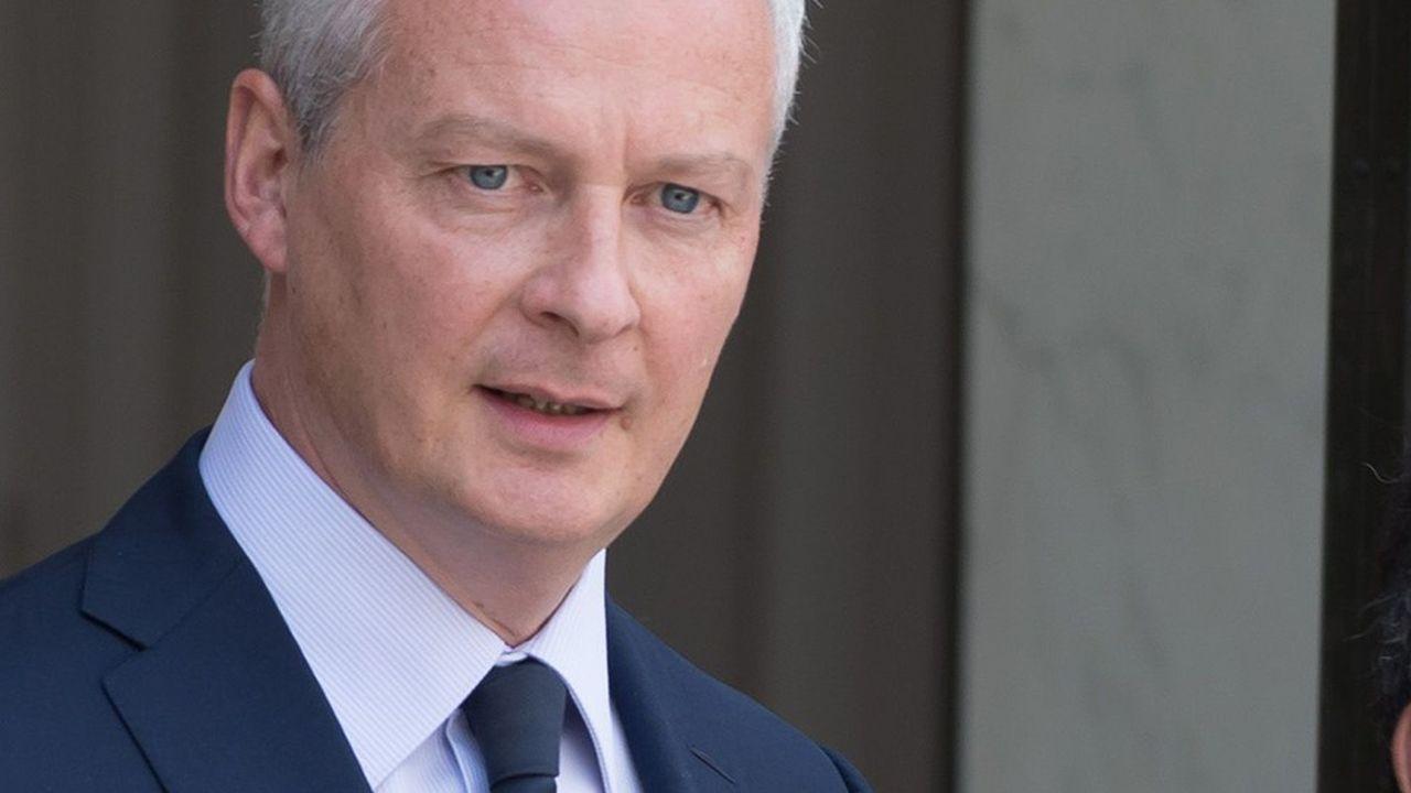 «Nous souhaitons avoir un plafonnement plus strict des frais bancaires pour les personnes les plus fragiles. Il me semble qu'un plafonnement de ces frais bancaires autour de 200euros serait légitime», selon le ministre de l'Economie et des Finances, Bruno Le Maire.