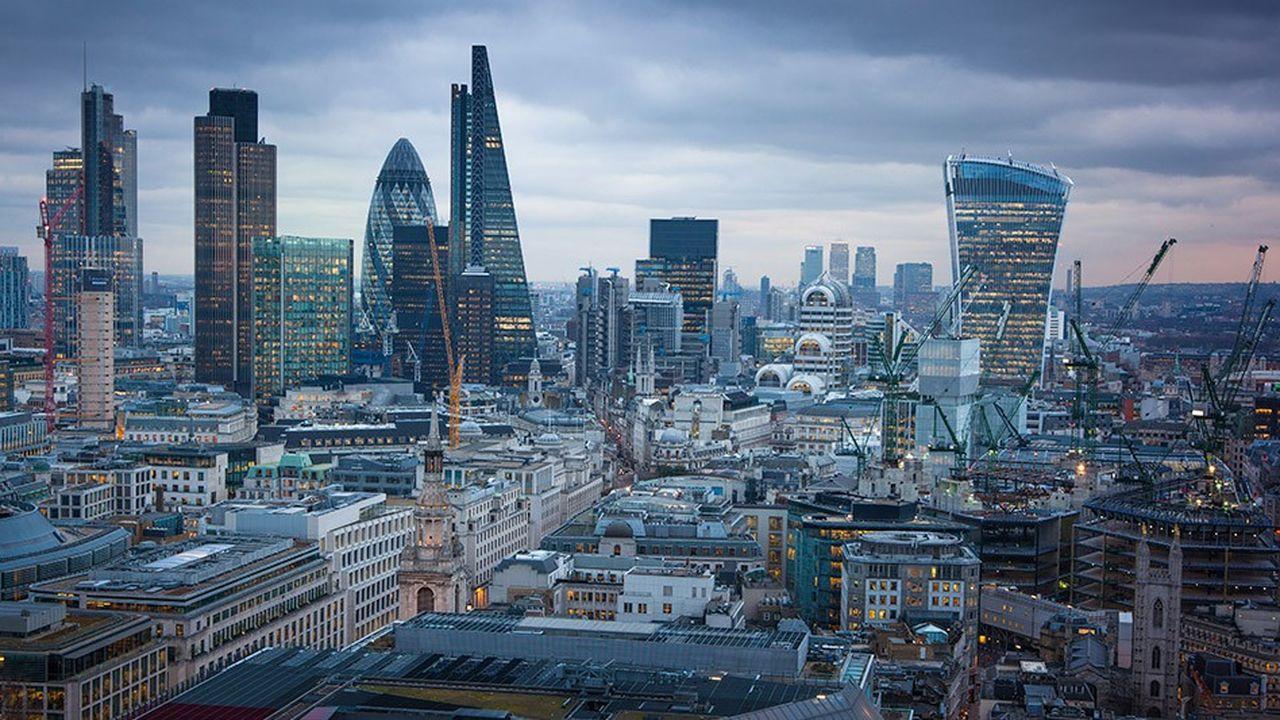 Les banques britanniques réfléchissent à un système d'alerte pour détecter les mauvais agissements de leurs salariés et prévenir les scandales.