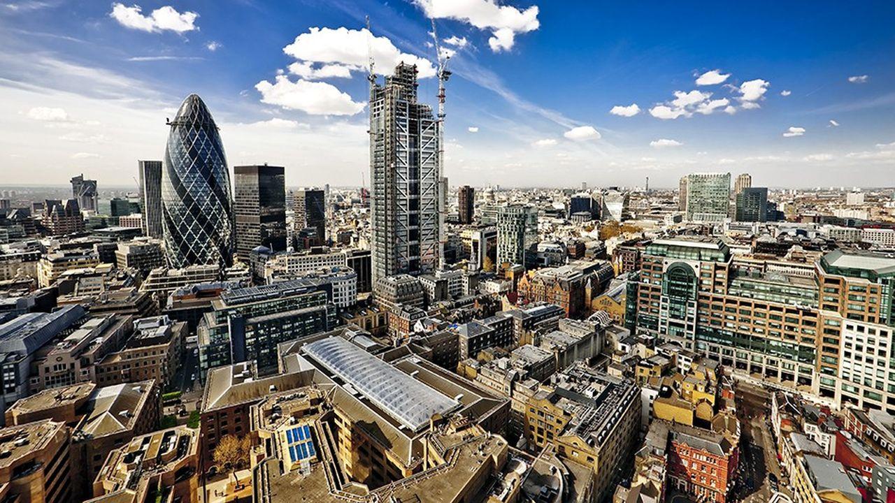 2200717_la-chasse-aux-volumes-pousse-les-banques-britanniques-a-assouplir-leurs-conditions-web-tete-0302172696141.jpg
