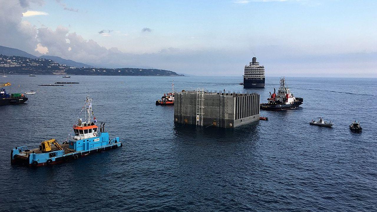 Eiffage Génie Civil Marine, une entité issue de l'acquisition en 2017 des activités de travaux maritimes du pétrolier Saipem, a participé au chantier géant de construction de la marina de Monaco par Bouygues.