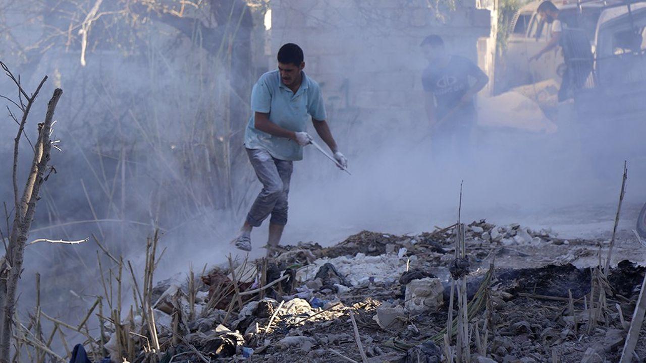 2202980_le-regime-syrien-et-larmee-russe-prets-a-attaquer-idleb-web-tete-0302216446935.jpg