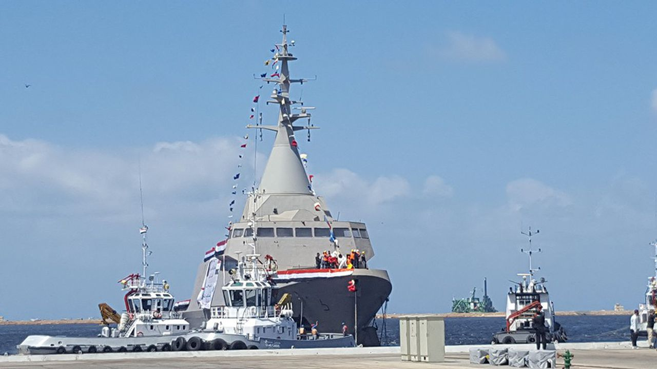 Jeudi 9septembre, la première corvette Gowind 2.500 réalisée en Egypte est mise à l'eau. Deux autres suivront. Quelque 300 ouvriers égyptiens ont été formés à Lorient.