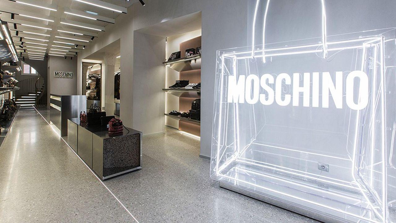 2204117_moschino-parie-sur-des-boutiques-evolutives-web-tete-0302222420408.jpg