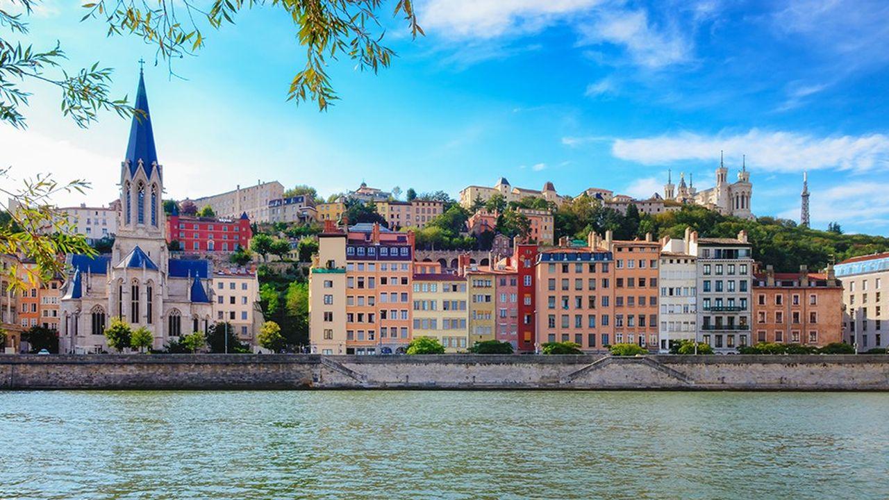 Laurent Wauquiez tend la main et un gros chèque à l'animateur télé : 100 millions d'euros pour sauver les monuments historiques les plus menacés en Auvergne-Rhône-Alpes