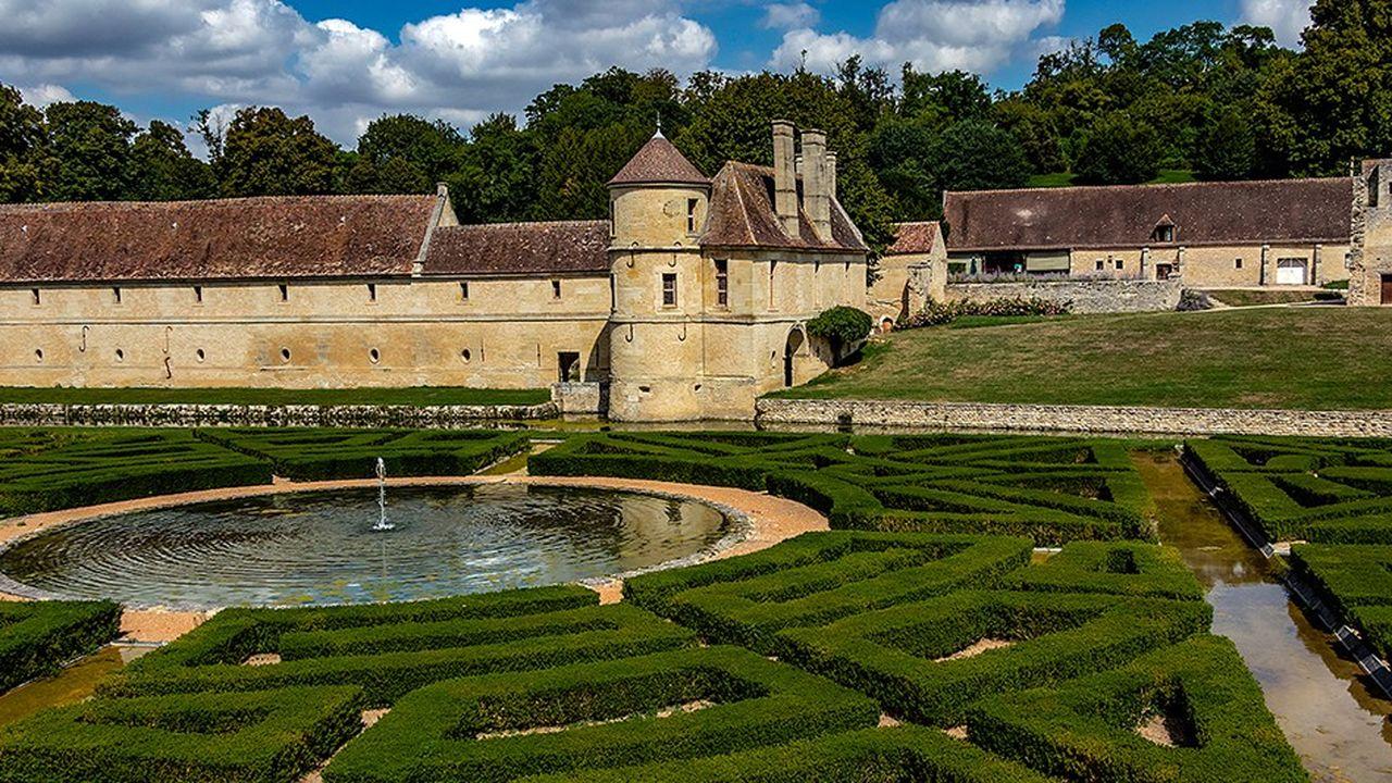 La Cour suggère à la région de rendre le domaine à son propriétaire, la Fondation Charles Léopold Mayer
