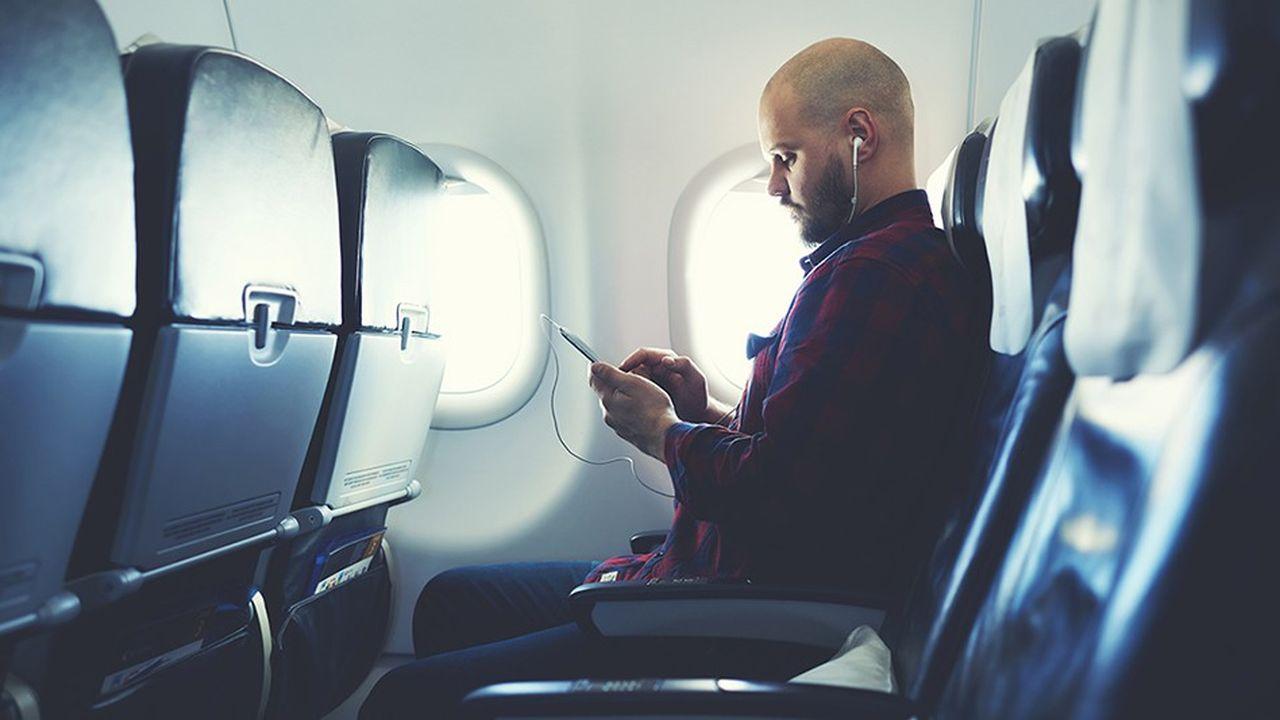 L'usage d'Internet en vol reste limité, avec seulement un tiers de la flotte mondiale équipée.