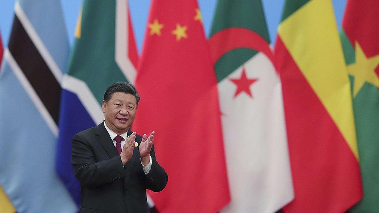 Xi Jinping a promis soixante milliards de dollars d'investissements en Afrique, lors du 6eForum sino-africain de Pékin. Après l'avoir inauguré, il participait le 4septembre à une table ronde.