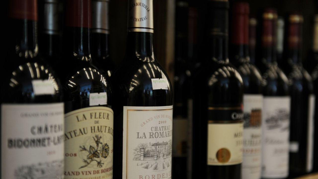 Les consommateurs chinois continuent de privilégier les bouteilles aux autres formats comme le «bag-in-box» ou les canettes qui connaissent un succès grandissant en Amérique du Nord. Leurs achats, initialement centrés sur les grands crus, s'élargissent aux vins de moyenne gamme.