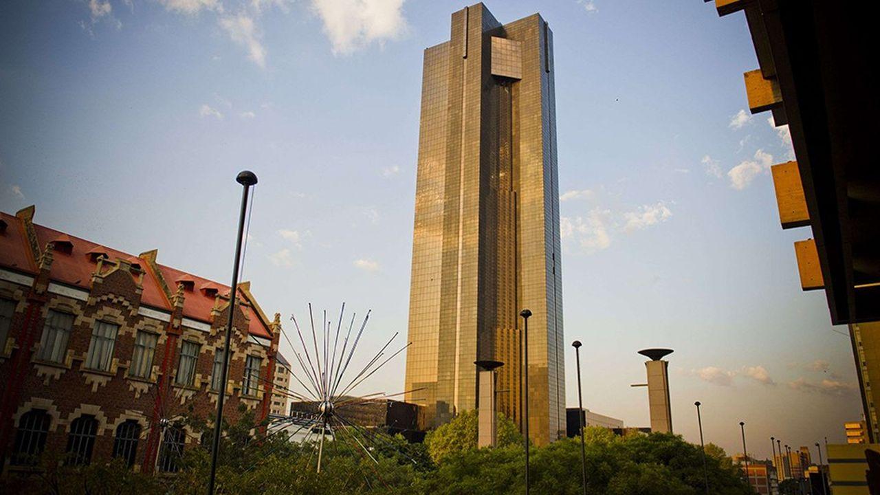La Banque centrale sud-africaine devrait attendre encore un peu avant de remonter ses taux, profitant notamment de la diminution de la pression sur le marché des changes.