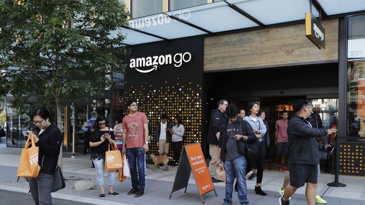 Il suffit de lancer l'appli AmazonGo avant d'entrer dans le magasin, de remplir son panier et de sortir