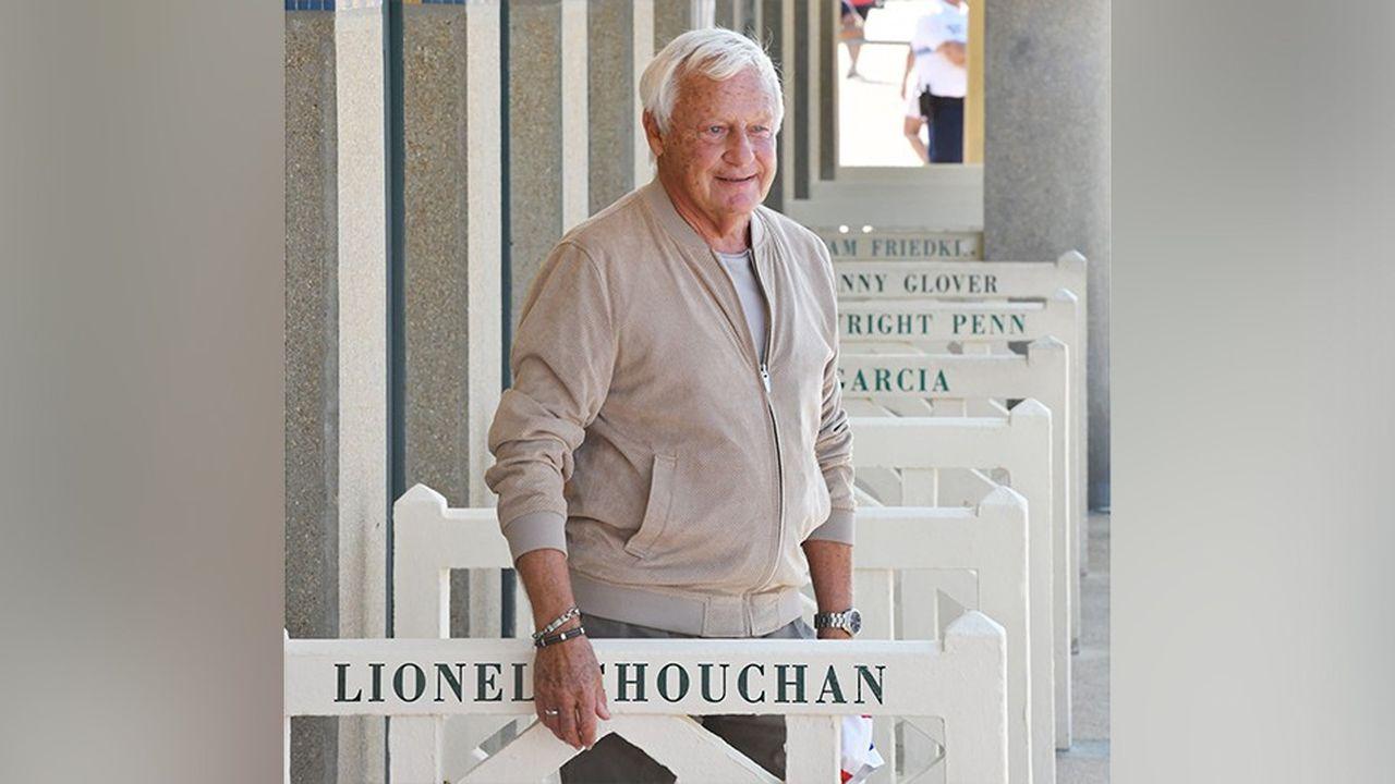 Le fondateur de Promo 2000 et du Festival Américain de Deauville, Lionel Chouchan, honoré sur les planches de Deauville, au milieu des stars hollywwodiennes