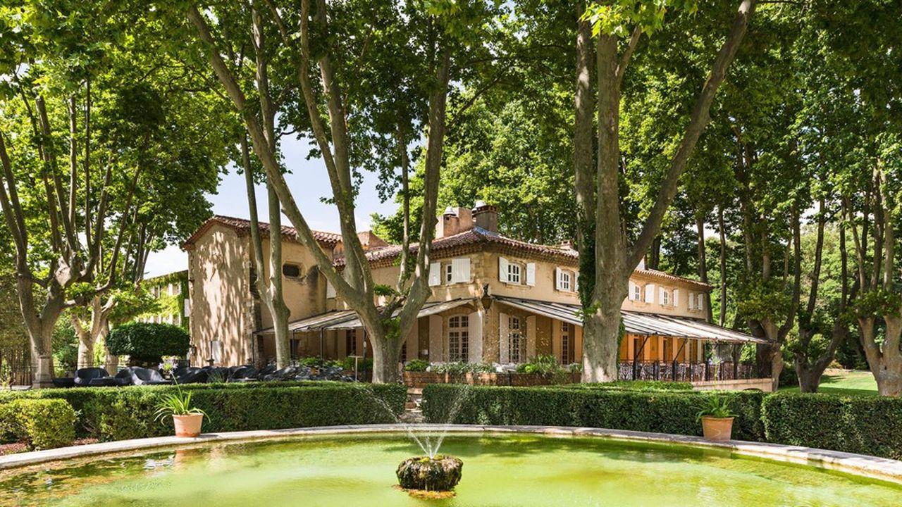 Parmi la soixantaine d'établissements du groupe, Le Moulin de Vernègues Hôtel & Spa 4 étoiles à Pont-Royal, dans les Bouches-du-Rhône.