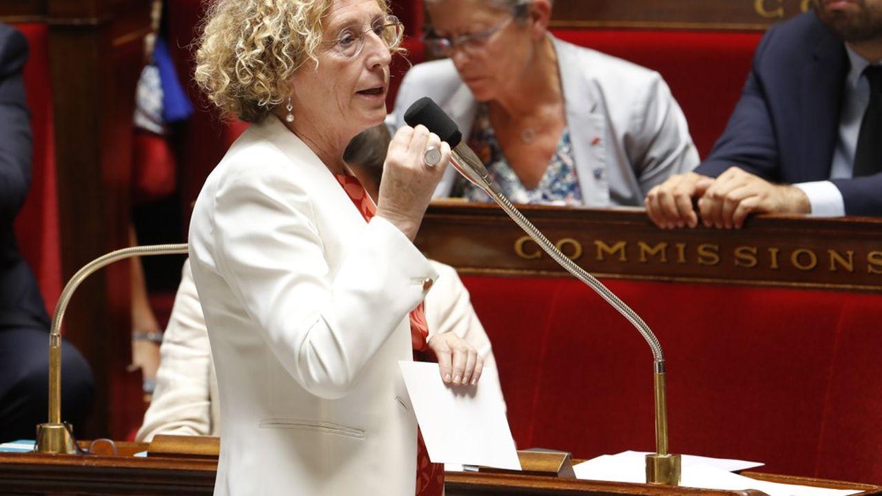 2207275_assurance-chomage-les-syndicats-deplorent-laccent-mis-sur-les-economies-web-tete-0302289616101.jpg