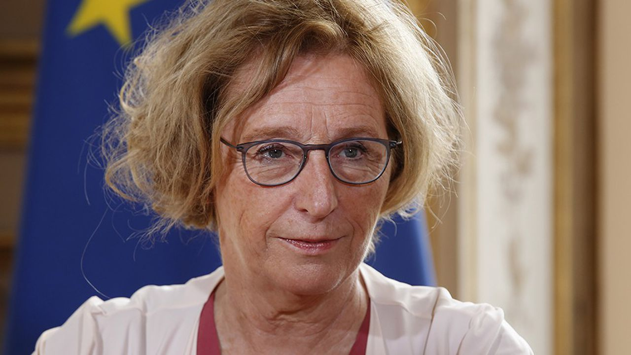 2207414_egalite-salariale-les-syndicats-mecontents-interpellent-muriel-penicaud-web-tete-0302287786030.jpg