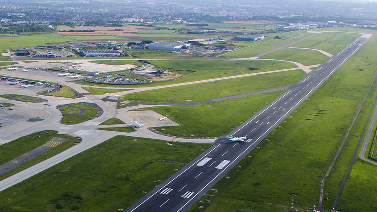 Infrastructure aeroportuaire d'Orly,