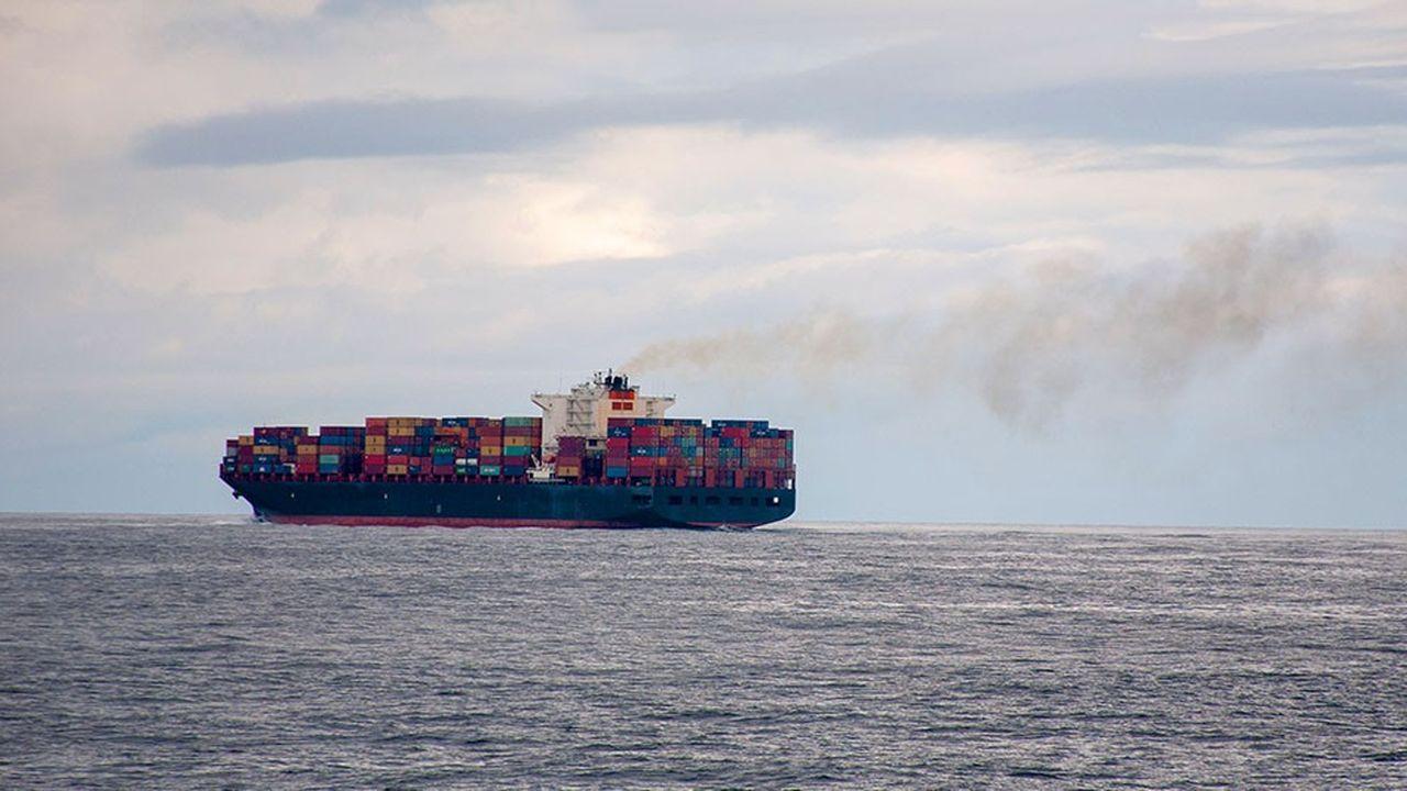 2208247_maritime-la-tres-lourde-facture-de-la-depollution-des-fumees-web-tete-0302305786578.jpg