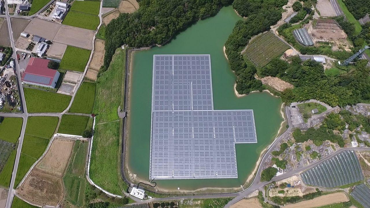 Les panneaux solaires flottants, une solution d'avenir ?