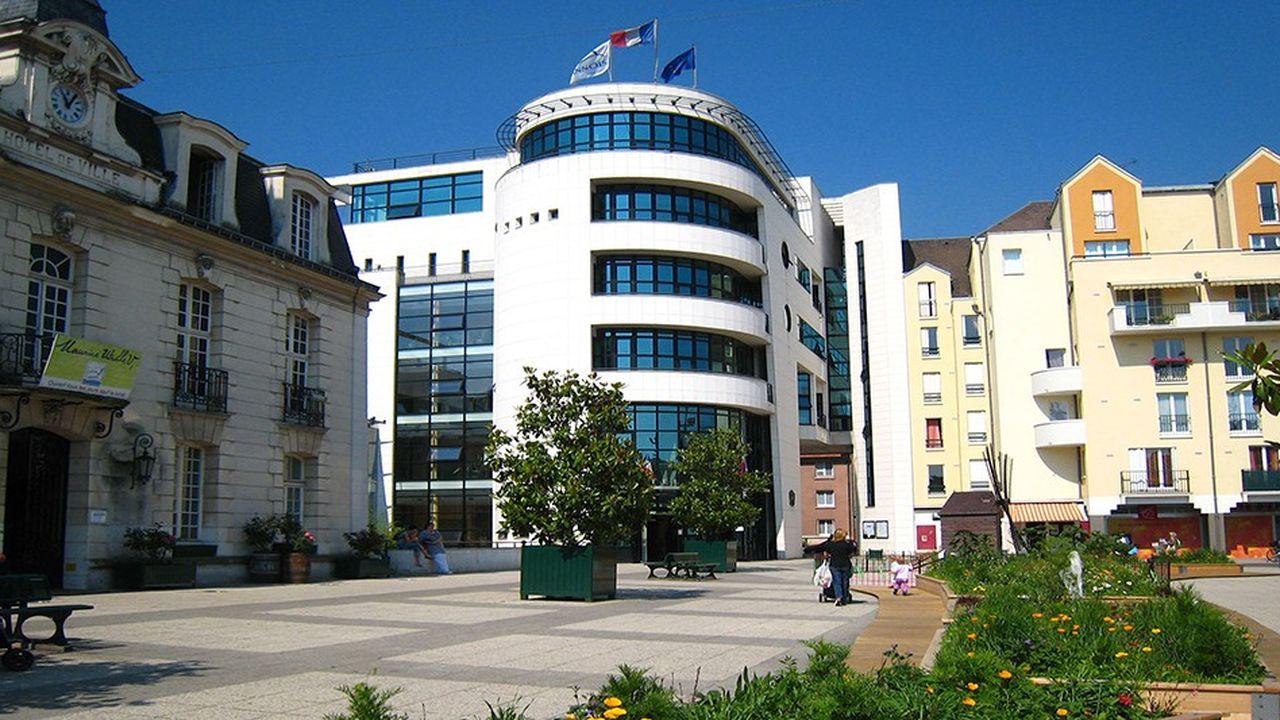 Deux cabinets d'étude ont été chargé desoumettre des propositions à la mairie.